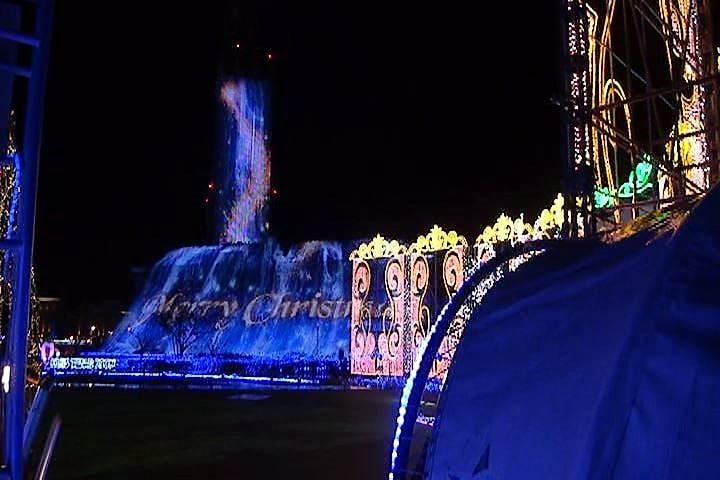 ハウステンボス 光の王国 光の滝とブルーウェーブ インスタ映え