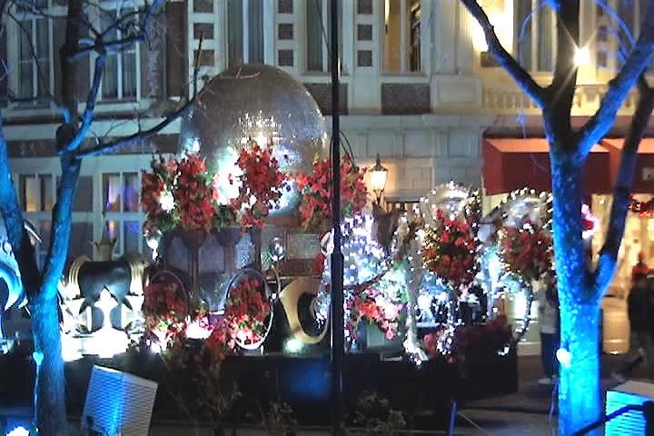 ハウステンボス 光の王国イベント、光のパレード インスタ映え