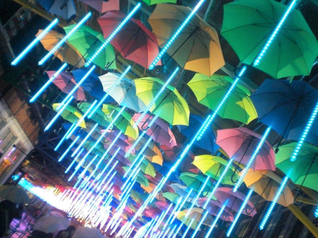 ハウステンボス 光の王国 光のアンブレラストリート インスタ映え