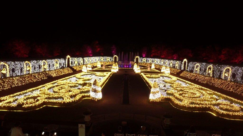 ハウステンボス奥にある、パレスハウステンボスでの光のオーケストラ、ジュエルイルミネーションショー インスタ映え カップル