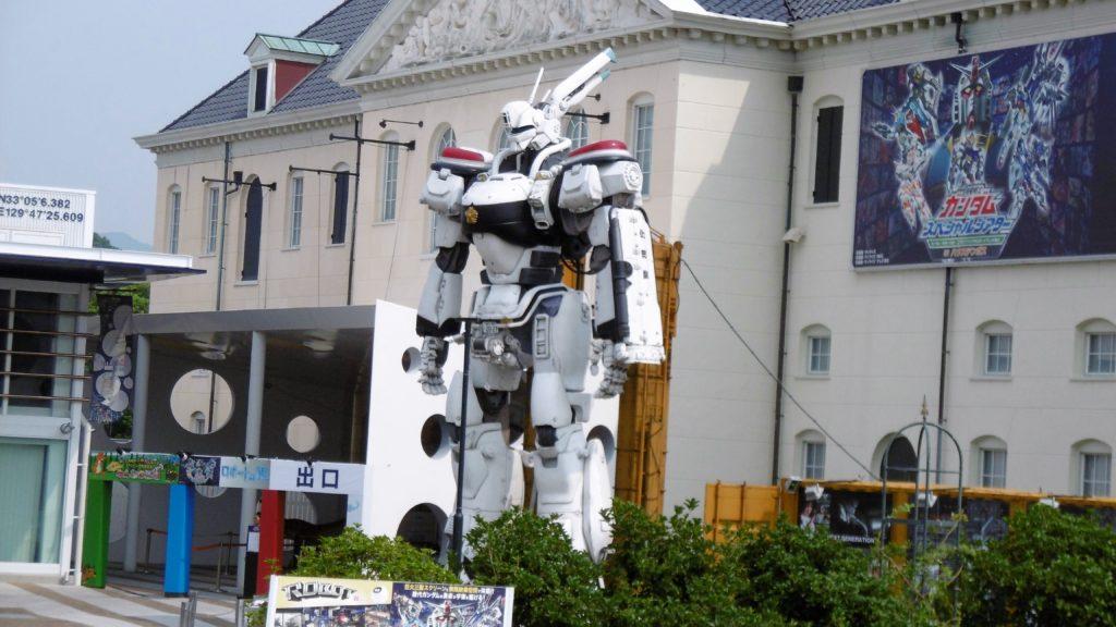 ハウステンボス ロボットの館前の実物大パトレイバー、イングラム