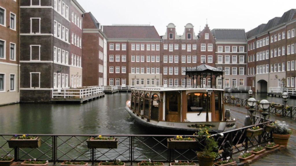 ハウステンボス最高級ホテル、ホテルヨーロッパのチェックインクルーザー インスタ映え