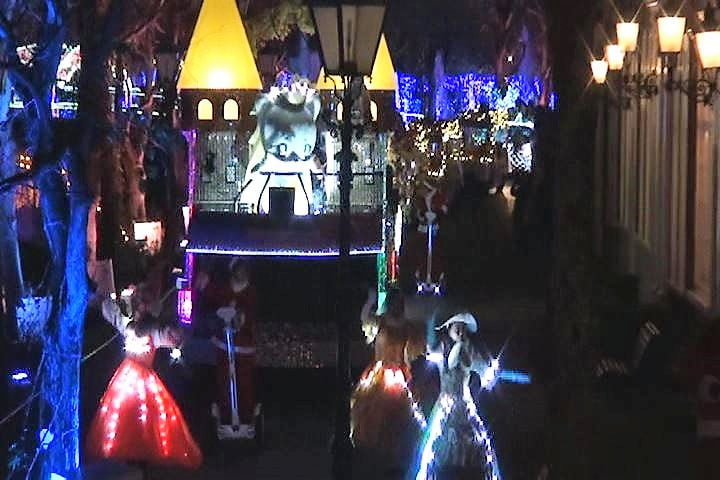 ハウステンボス 光の王国イベント、ハウステンボス歌劇団が先導する光のパレード インスタ映え