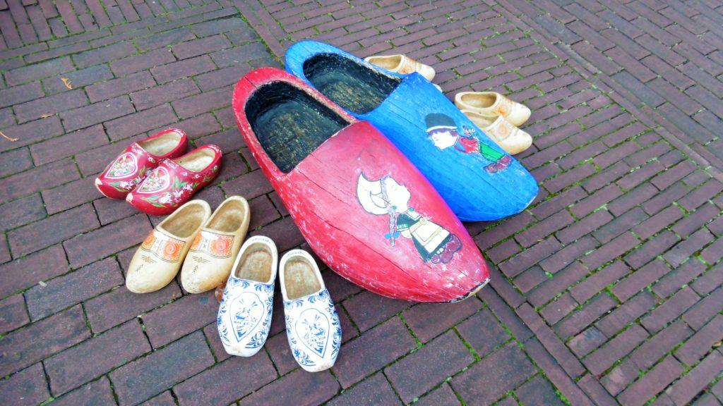 ハウステンボス オランダの館前の木靴