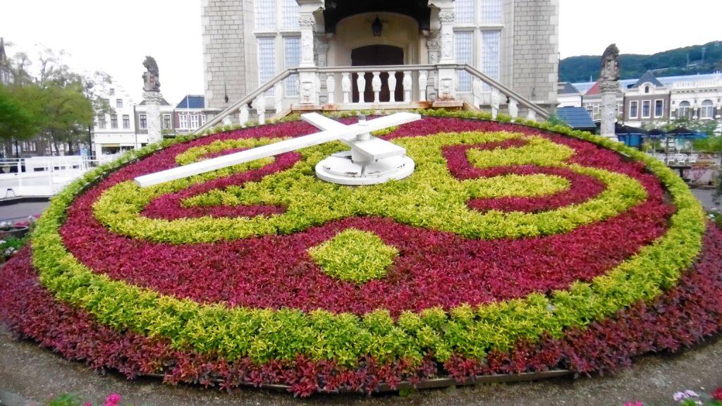 ハウステンボス アムステルダム広場の花時計