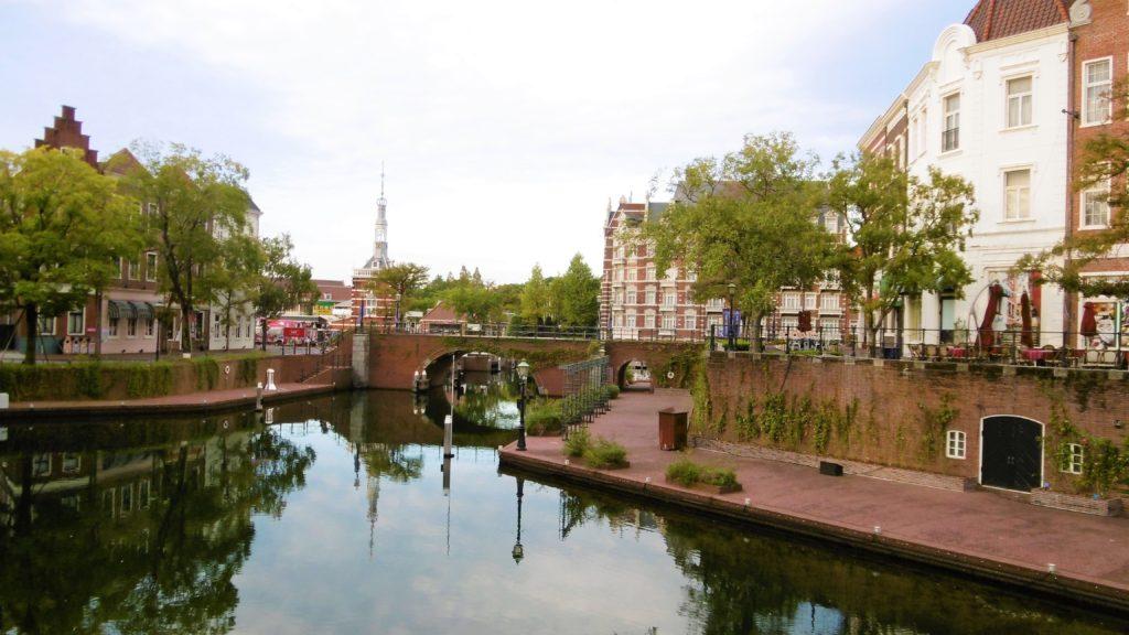 ハウステンボス タワーシティ沿いの運河