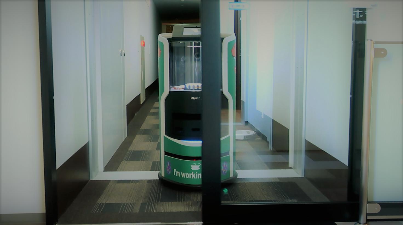 変なホテル ラグーナテンボス ルームサービスロボット